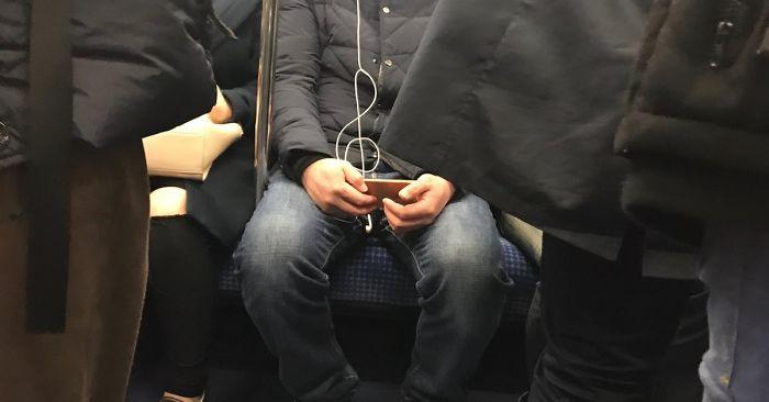 metro-kulaklık-sol-anahtarı