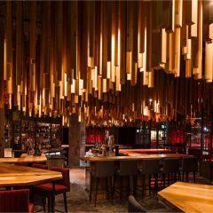 Tavanına 2700 Ahşap Parçası Asılmış Montreal'de Bulunan Yeni Restoran