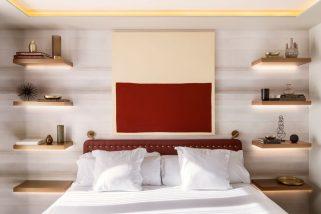 Yatak Odası Tasarım Fikri – Komidin ve Lambayı, Yüzen Raflar ve Gizli Aydınlatma ile Değiştirin